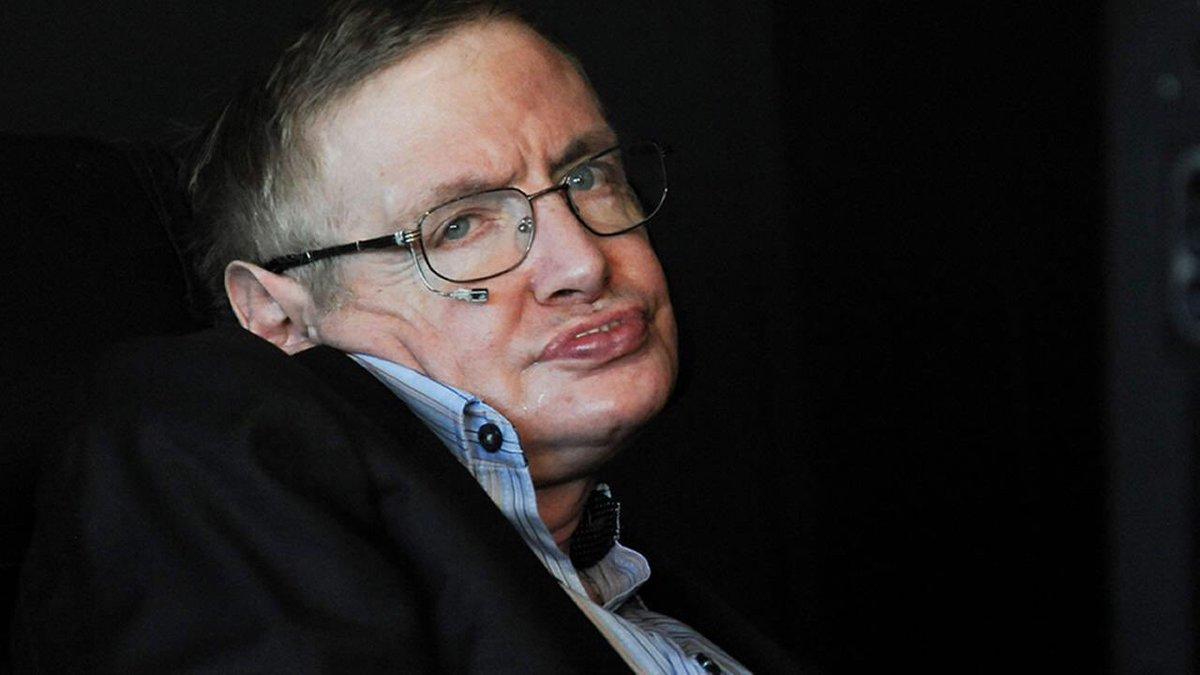'Uno, ricordatevi sempre di guardare le stelle, non i piedi. Due, non rinunciate al lavoro: il lavoro dà significato e scopo alla vita, che diventa vuota senza di esso. Tre, se siete abbastanza fortunati a trovare l'amore, ricordatevi che è lì e non buttatelo via' #Hawking