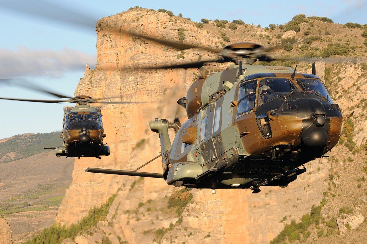 مجموعة ليوناردو تفوز بجزء من صفقة طائرات هليكوبتر لقطر DYP5SfaWAAAUznt