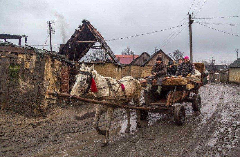 doma-tsigane-na-ukraine-video