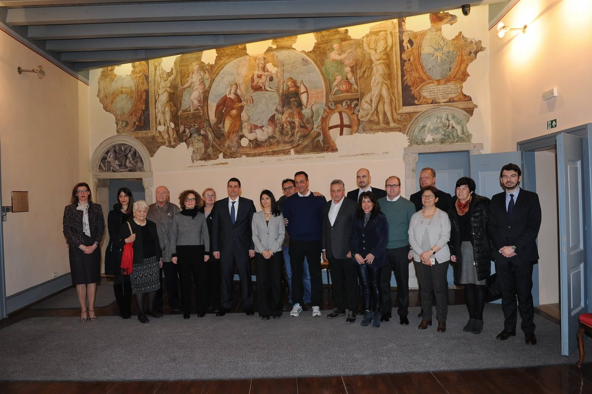 La Sindaca @virginiaraggi ha incontrato a Trieste studenti e sopravvissuti allesodo istriano, a Pola studenti e insegnanti e il Sindaco di Rovigno nella città omonima