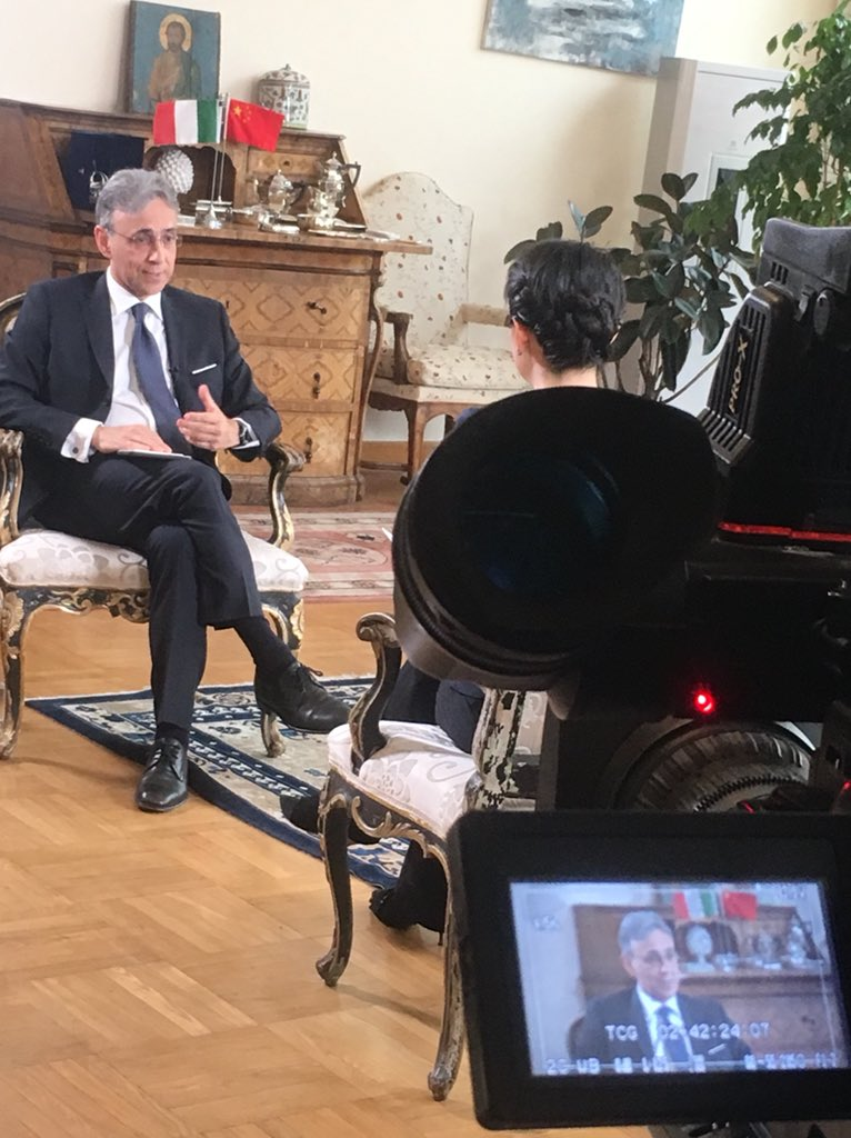 Amb. @EttoreSequi interviewed by Shanghai Media Group Televison @icsshanghailive @BeiAixinjueluo on Italy 🇮🇹 and China 🇨🇳 relations and cooperation in view of our #roadto50
