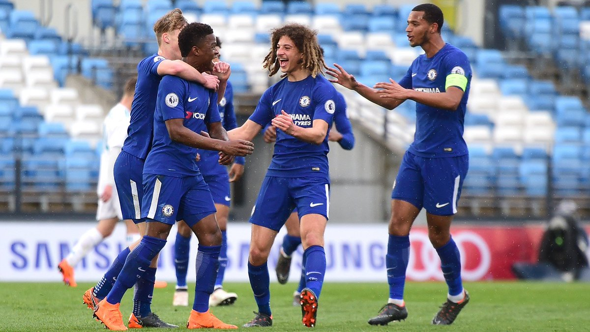 FULL TIME: Real Madrid 2-4 #CFCU19! Our youngsters book a @UEFAYouthLeague semi-final date with FC Porto in Nyon after holding on with 10 men to triumph in the Spanish capital.