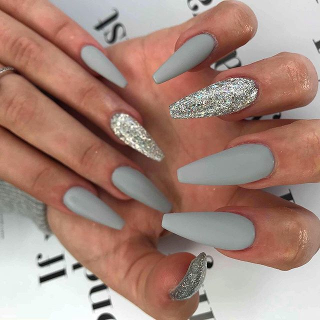 "Christmas Acrylic Nails Grey: Pretty B*tch On Twitter: ""Wednesday Grey Matte And"