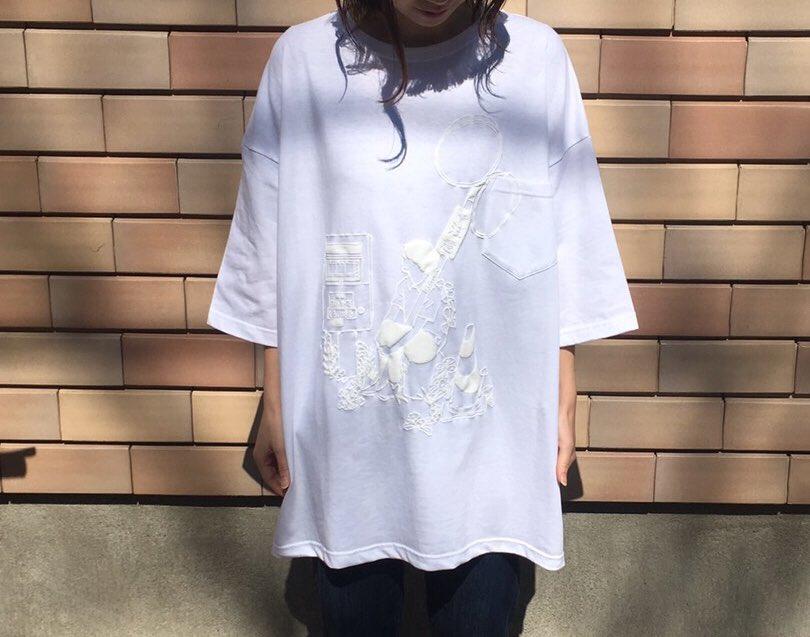 #ひねもすしろいはる展  個展商品 BIGTシャツ しろいゆるいTシャツにぽこぽこのしろい印刷で超絶可愛くできました。胸ポケットあり!