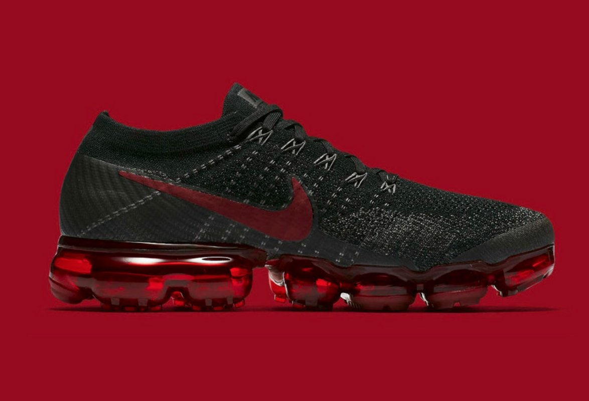 39fa46d7e3 RARE SALE 1 DAY ONLY! Nike Air VaporMax Flyknit 'BRED' is only $152 shipped  with code GREEN20 at checkout! BUY HERE: http://bit.ly/2FIeZYY pic.twitter.com/  ...