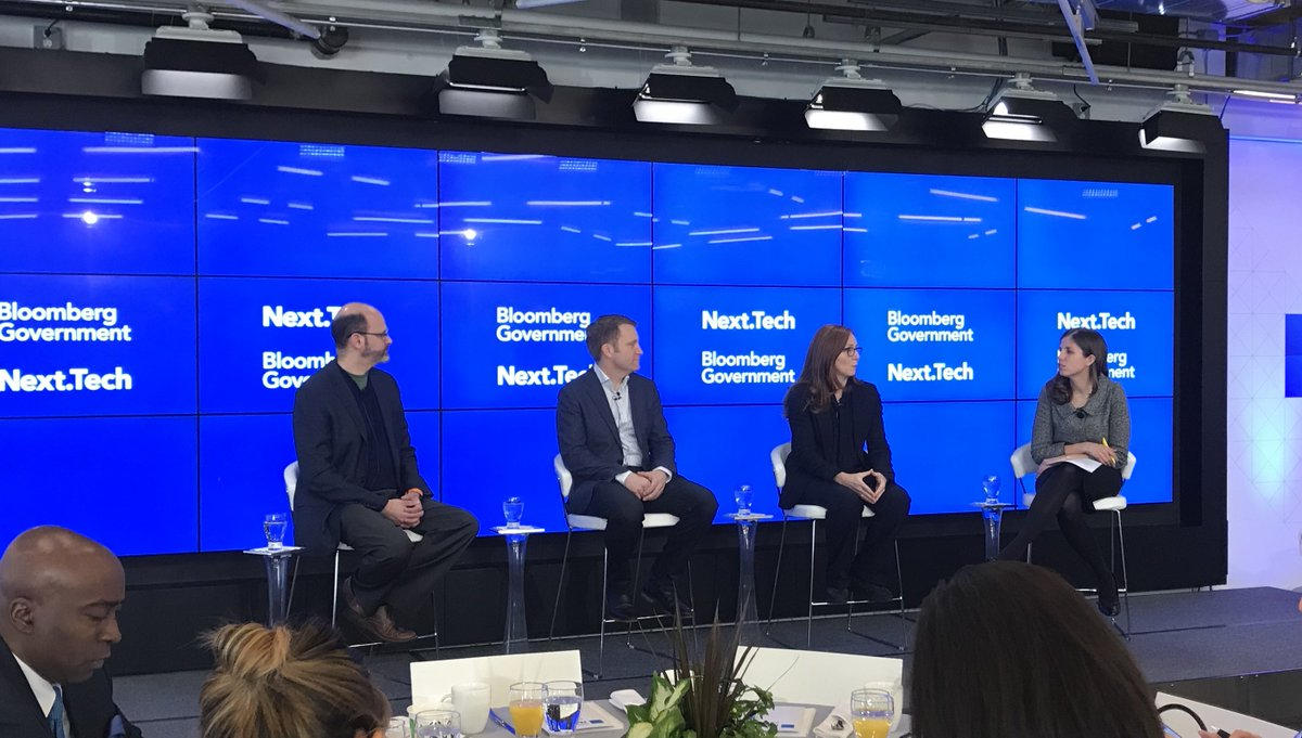 .@UnanimousAI&#39;s David Baltaxe, @IBMResearch&#39;s Francesca Rossi, and @CapitalOne&#39;s @apwenchel discuss battling information overload to make better decisions. #BloombergNext <br>http://pic.twitter.com/6Qvqycn5M9
