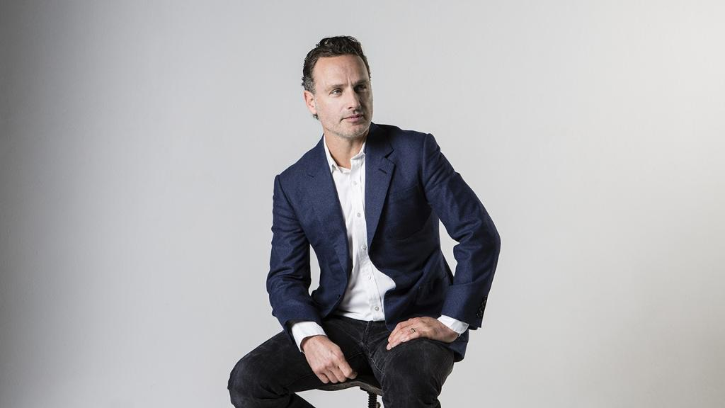 Listen to Andrew Lincoln narrate @jk_row...