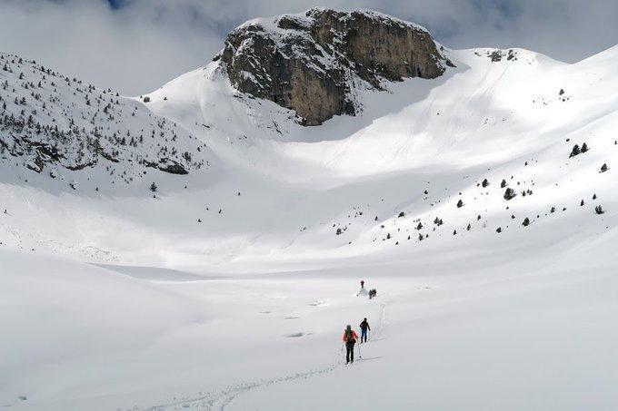 Reportaje @LaMeteoQueViene   Viaje alrededor de la Foratata, Valle de Tena blanco el 7 de marzo de 2018   https://t.co/ByKpV3YTOM