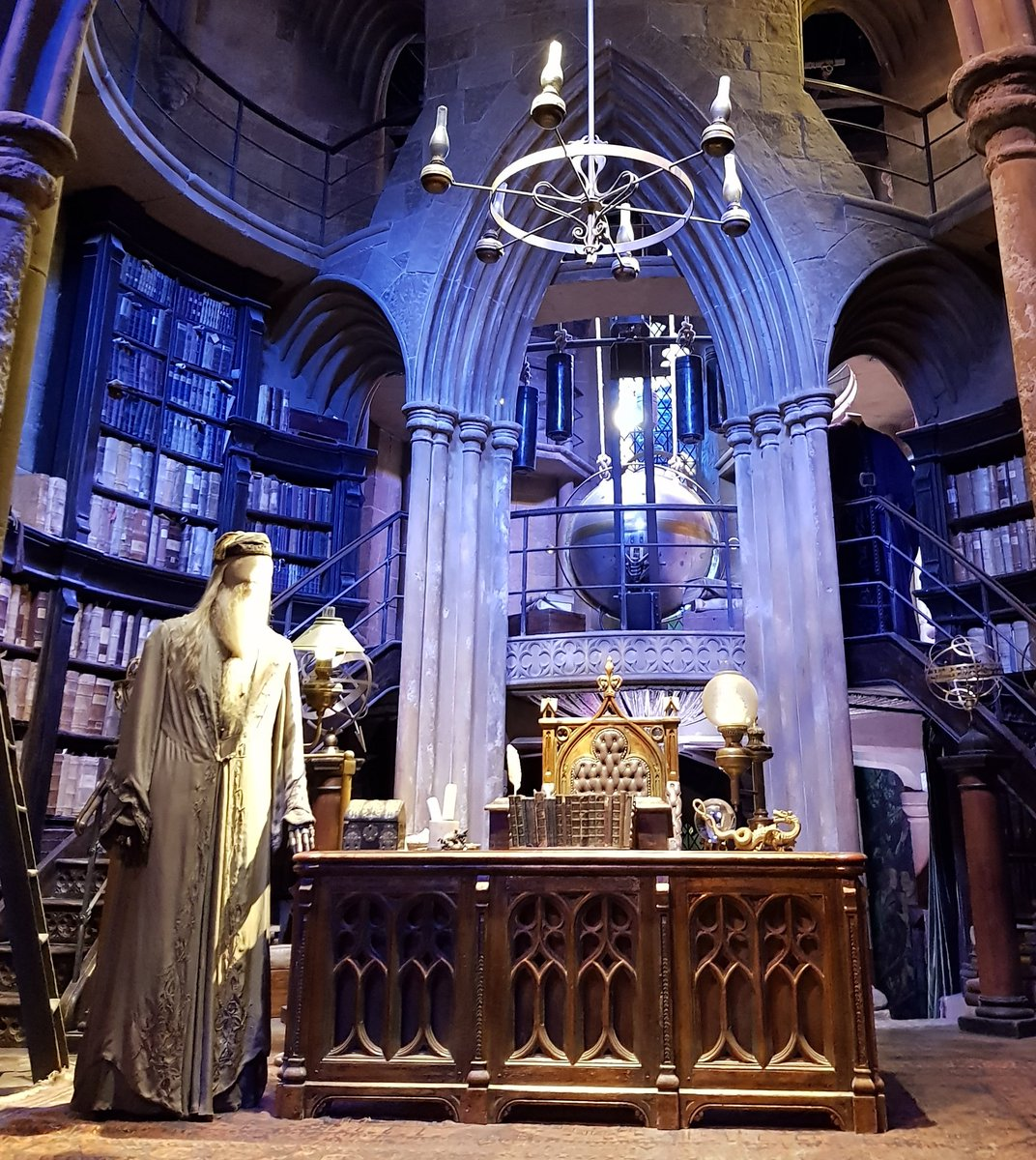 Che emozione quando ho visitato il set dello studio di #Silente al #WBStudioTour #HarryPotter #harrypottereidonidellamorte #Always  - Ukustom