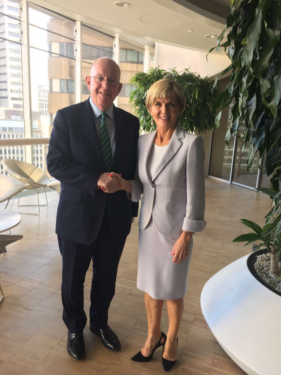 Minister @CharlieFlanagan met Australia's Foreign Minister @JulieBishopMP in Sydney today & discussed the close & growing links between both countries #StPatricksDay @IrlEmbAustralia  @breandanocaolla