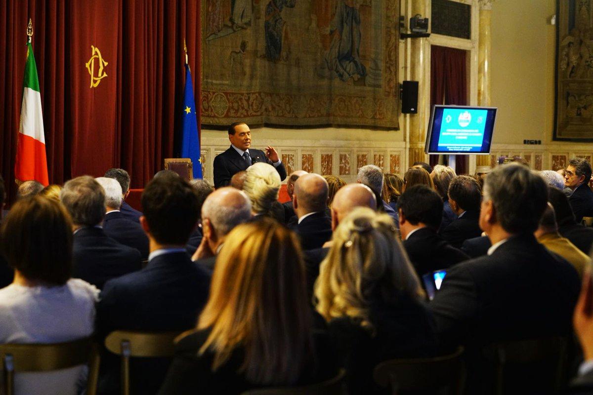 Anna maria bernini berniniam twitter for Nuovi gruppi parlamentari