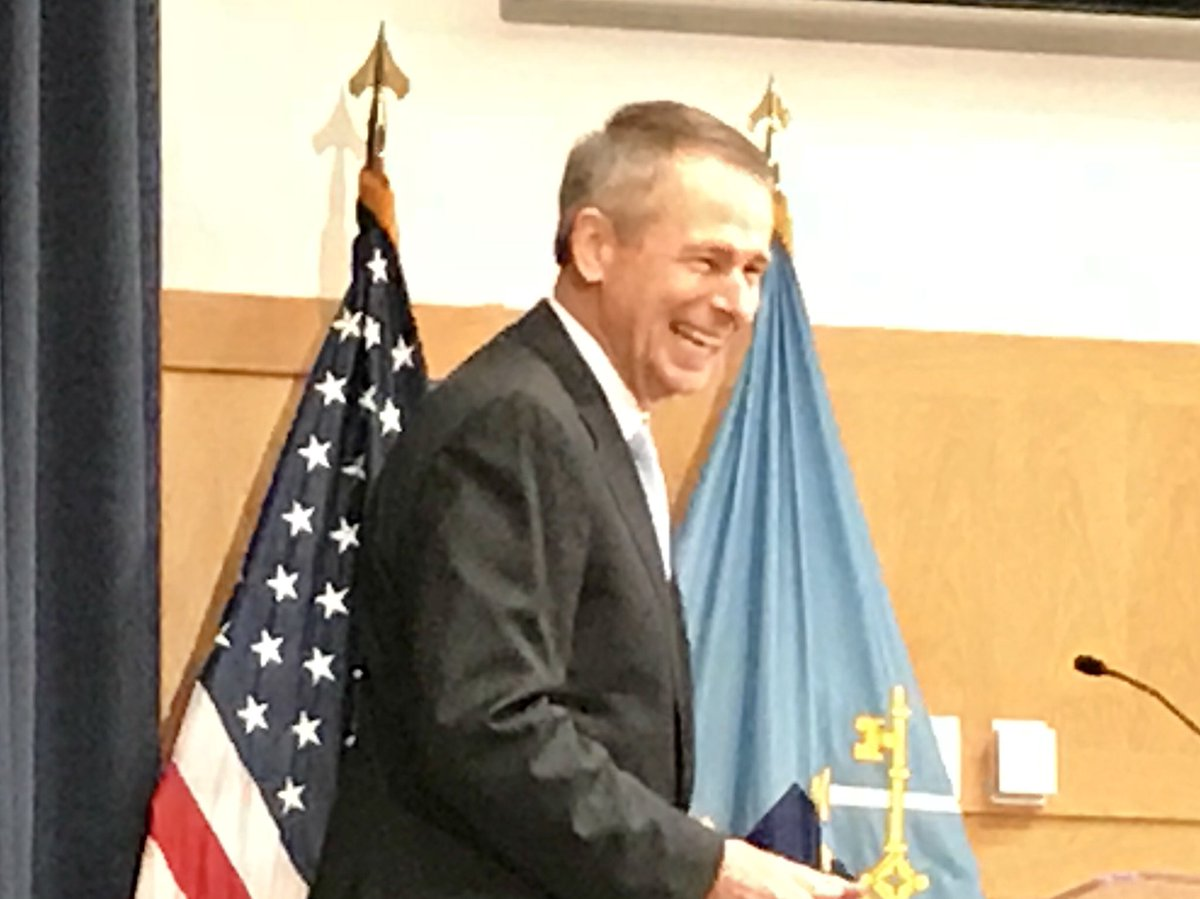 Learned a lot from retired CJCS GEN Peter Pace, who spoke @NDU_EDU this morning on leadership, national security budgets, and — perhaps most movingly — service. @NWC_NDU