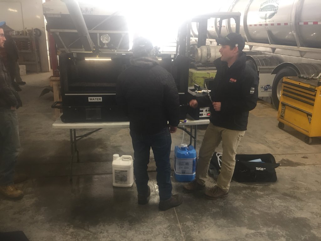 """... """"Too cold to spray still so we set the spray table up in shop and had some fun today with @d_mccolm and #Winfield #Interlock… https://t.co /A6GXRP6tEC"""""""