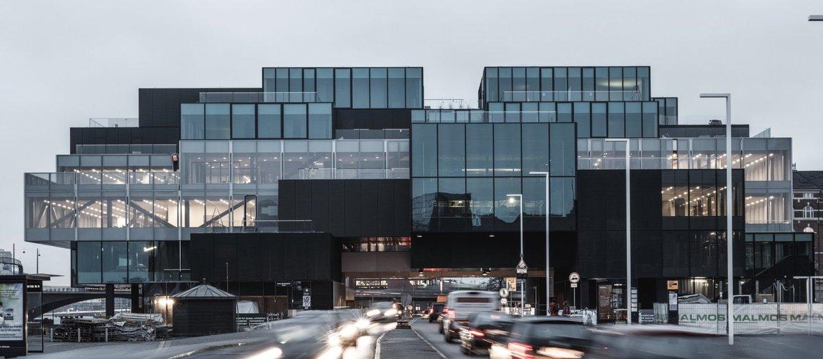 """""""BLOXHUB er Danmarks nye base for fremtidens byløsninger med et co-working space i hjertet af København og et internationalt netværk, der består af virksomheder, organisationer og forskere inden for urbanisering"""": https://t.co/kFF9hjwN9h"""