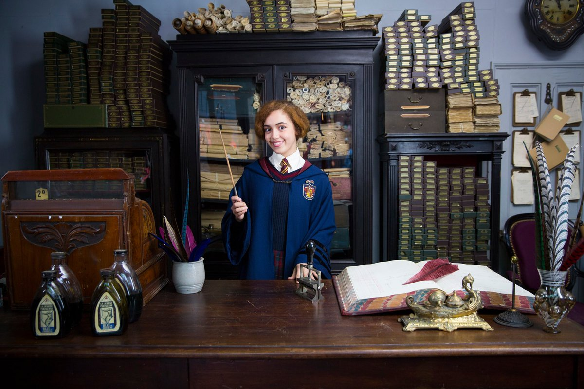Anna Brisbin On Twitter Guys Official Vintage Hogwarts Uniform This Is Not A Drill Arabelladaho Is The Most Adorable 20s Hogwarts Student In Her Costume On The Set Of Fantasticbeasts Sequel
