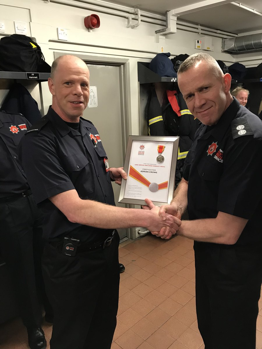 Nige Portlock Twitter Ff Ady Crowe Andover31 RDS Hants Fire Collecting His 20 Year Service Medal Tonight From WM Clintgiles24