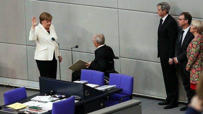 Angela Merkel twitter.