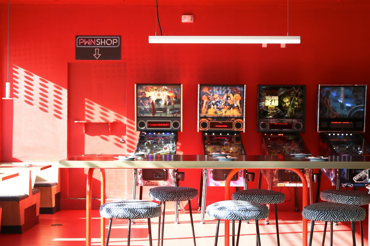 Sometimes going to a bar is about more than grabbing drinks. The Best LA Bars With Games: bit.ly/2GsWadA