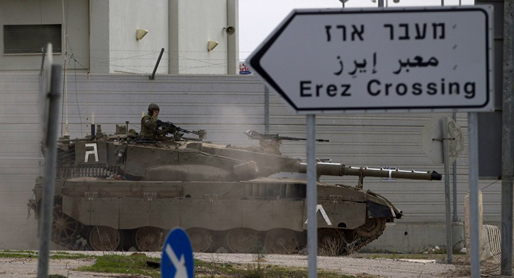 Israeli tanks target #Hamas posts in #Gaza in response to explosions - @IDFSpokesperson https://t.co/xGErCBXcwS