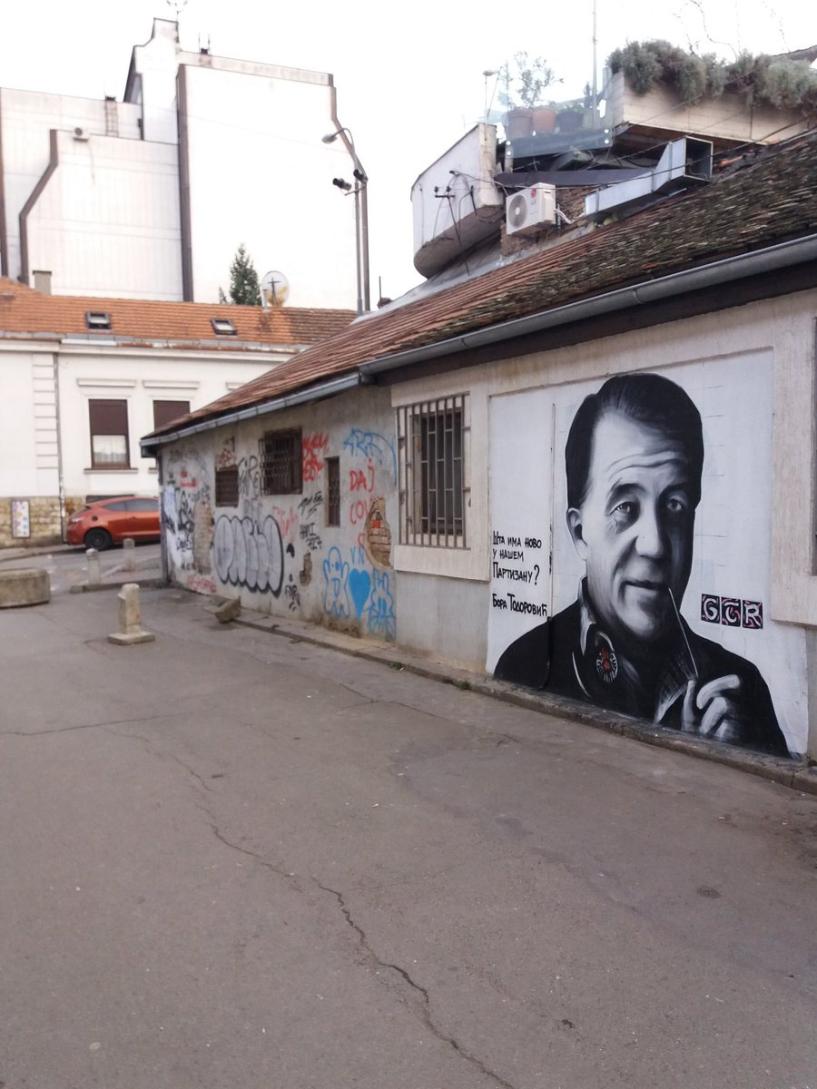 #Belgrade #murals #legendlives https://t.co/v16miJbtnT