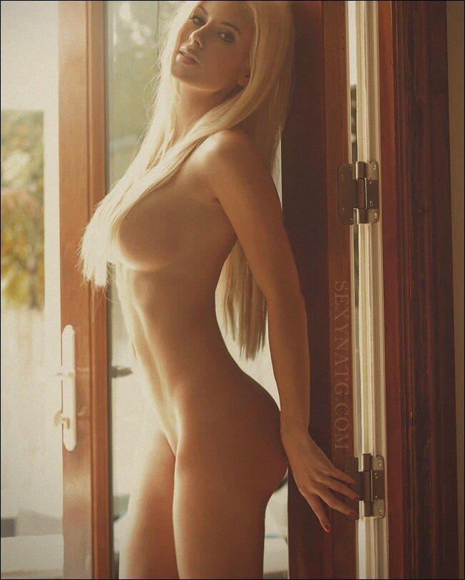 Natalie Gauvreau  - Proper way t twitter @SexyNatG