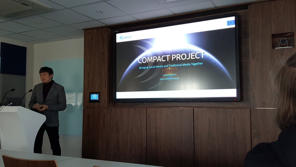 @porwolluke presenting #CompactProject a...