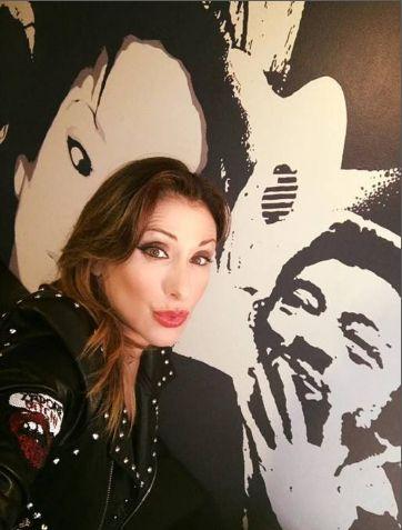 Icona pop anni '80, Sabrina Salerno comp...