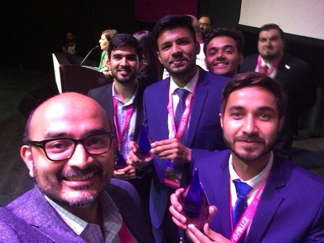 Congratulations to #ugradpk alumnus Hafiz Usama and the rest of the PakVitae team for winning the prestigious HULT Prize! Your work to improve drinking water quality in rural communities in Pakistan is inspiring. Best of luck in the Grand Finale! bit.ly/2GuNtj4