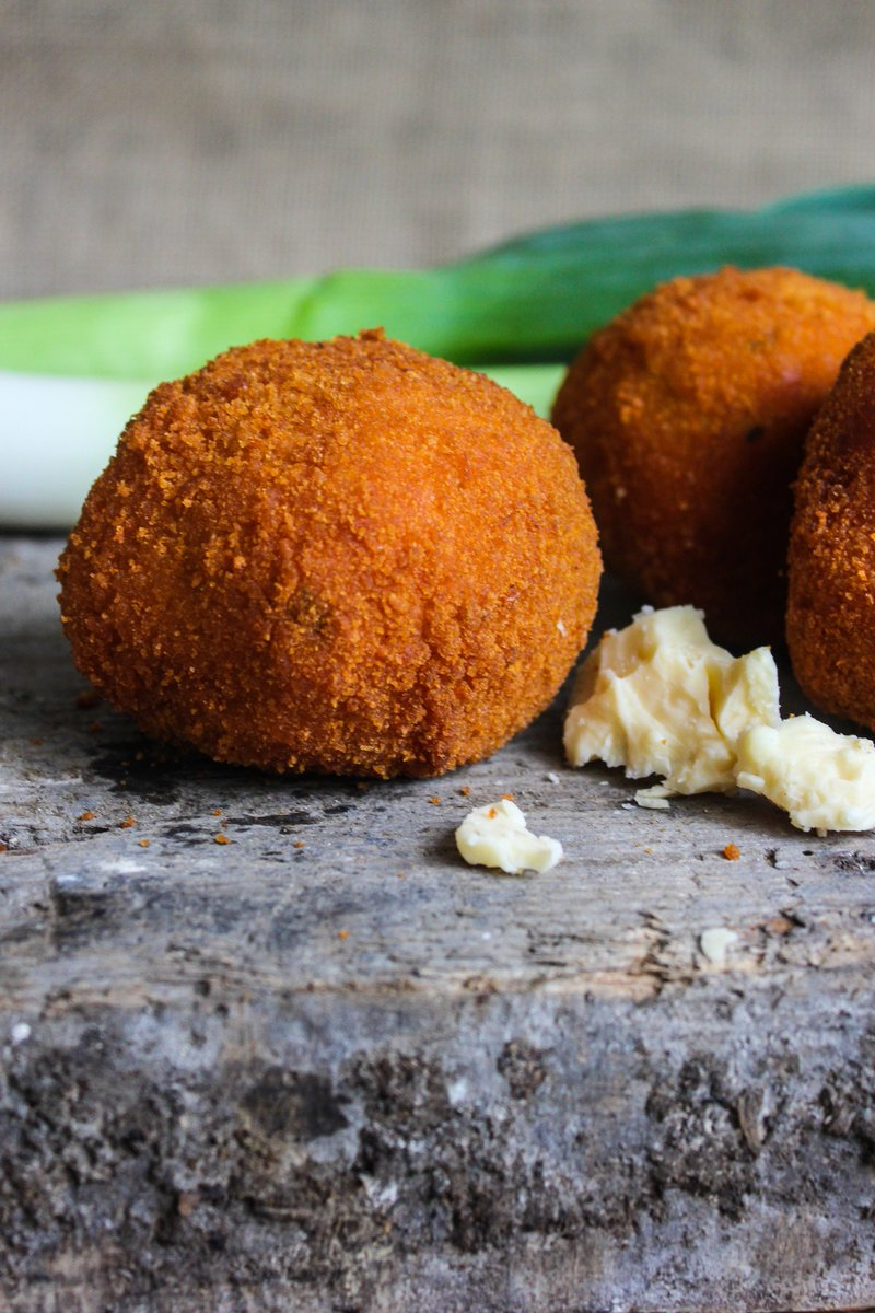 test Twitter Media - Who's tried our Cheese & Leek or Cheese & Chilli Rissoles yet? Made with @collierscheese 😍😍 #rissole #onlyinwales #foodie #leek #cheese #chilli #swansea #wholesaler #wholesale #localdeliveryalso https://t.co/IQ5AD17raX