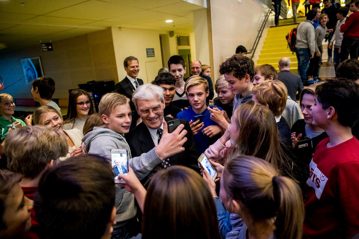 When 2017 #NobelPrize laureate Richard Henderson met students in Stockholm he had some words of advice: One of the most important things as a scientist is that you have to be an optimist. Pessimists should work in insurance broking, where you only look for the downside!