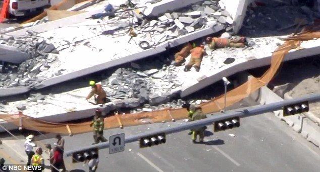 Varios muertos y atrapados tras el derrumbe de un puente peatonal en Florida DYWhucZVAAAUVpk