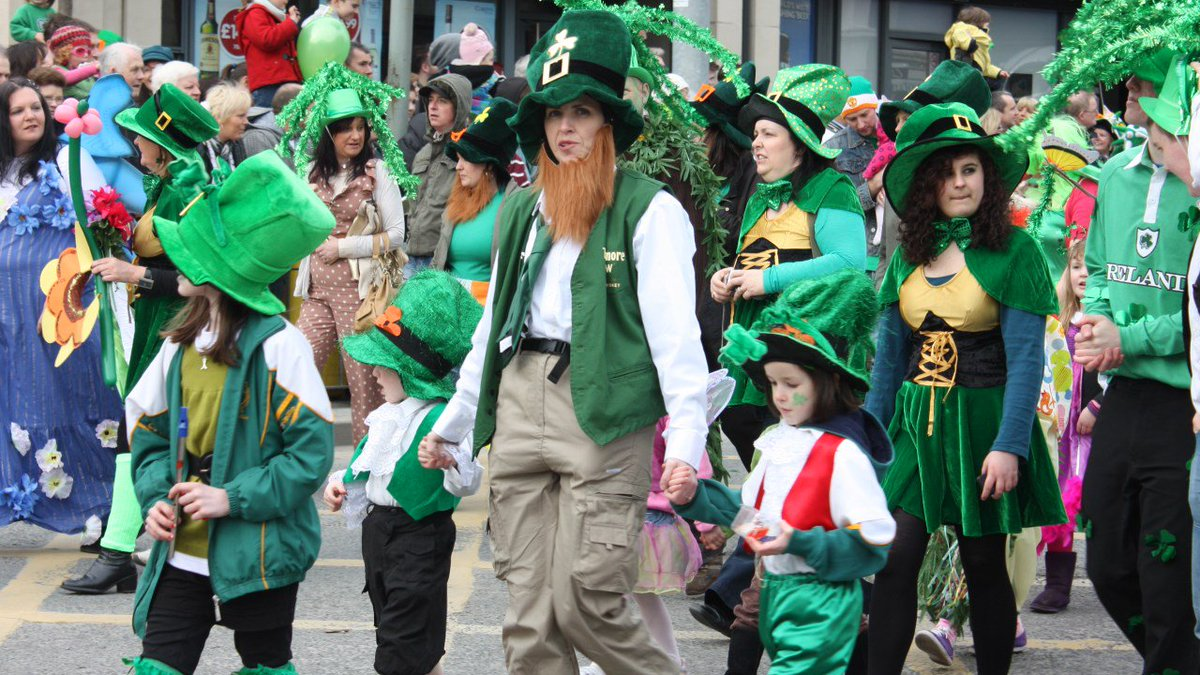 Have any #StPatricksDay plans tomorrow? Going to a parade? Wearing green? Send those photos/videos to https://t.co/2MkSFEGhYB!