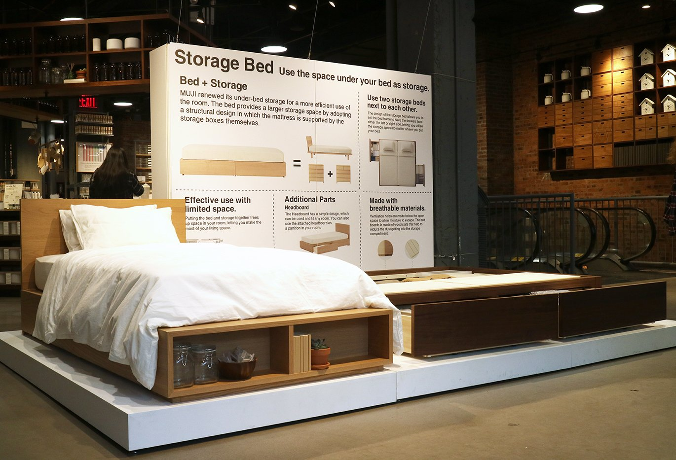 Muji Usa On Twitter The Storage Bed Provides A Larger Tas Polo Design Space By Adopting Structural In Which Mattress Is Supported