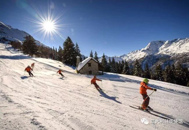 从北到南滑雪:威尼托和伦巴第大区 Sciare da Nord a Sud: Veneto e Lombardia. Spieghiamo l'Italia🇮🇹 degli sport invernali ai 🇨🇳 in vista delle Olimpiadi invernali di Pechino 2022. @ItalyMFA ⛷🇮🇹 mp.weixin.qq.com/s/L-Lh5w8jHOTl… ⛷🇮🇹