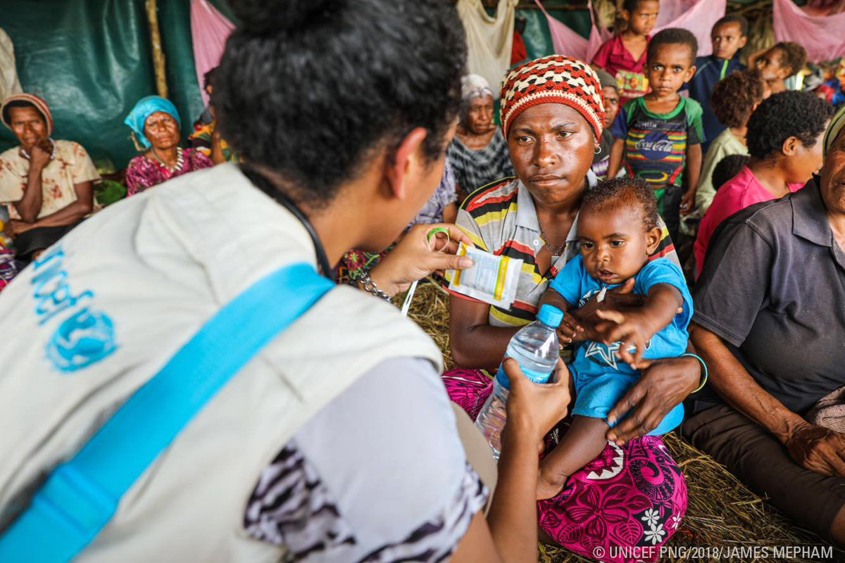 Baby Austria is living in a tent with more than 500 people who were forced to leave their village when recent #earthquakes destroyed their homes. She is suffering from diarrhoea but these rehydration salts will help her get healthy again. #UNICEF #PNG