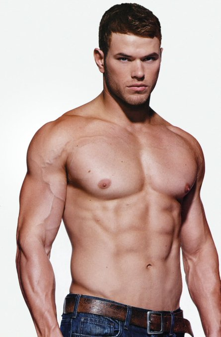 Happy Birthday Kellan Lutz!