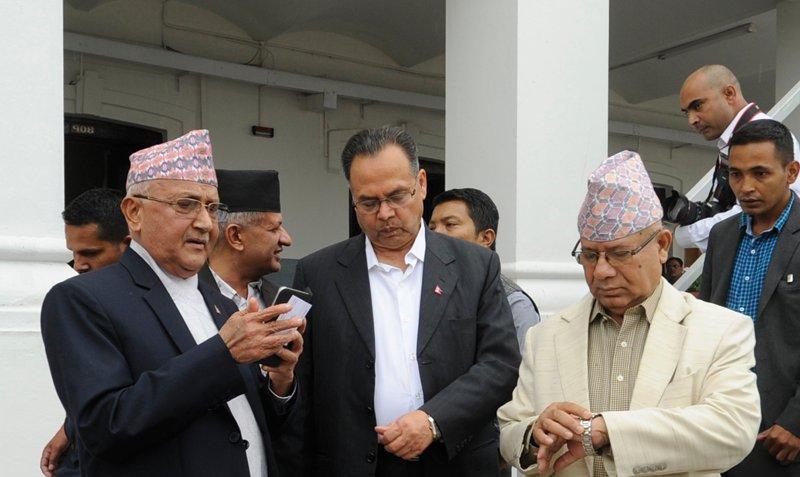 ओली-नेपाल सहमतिः भावी अध्यक्षमा माधव नेपाल