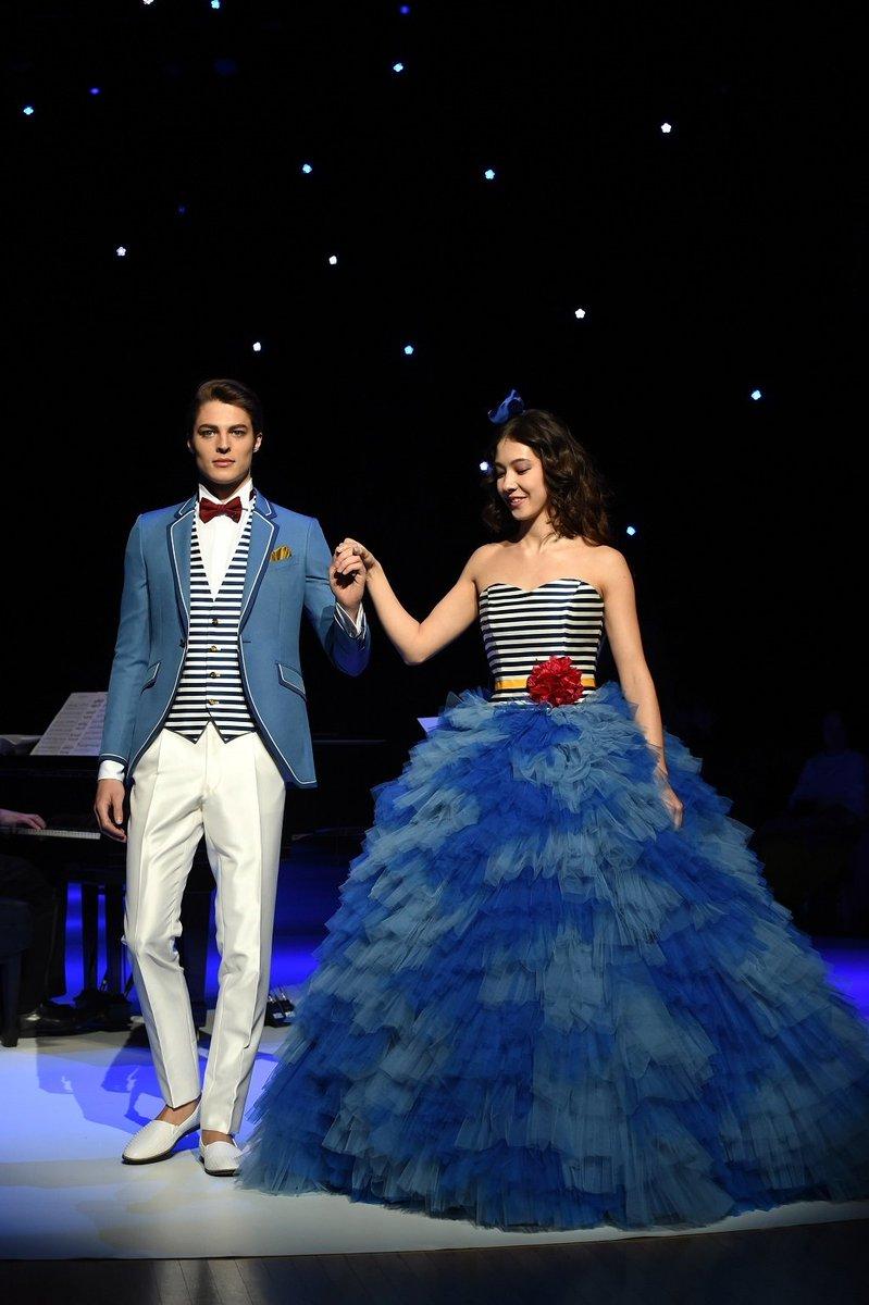 China Xinhua News On Twitter Disney Wedding Dresses By Japan S Kuraudia Co On Display In Tokyo