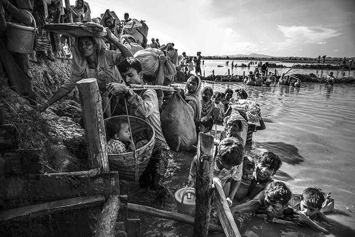 Congratulations to Roger LeMoyne and @UNICEFBD for winning @PicoftheYear 'Award of Excellence' for a powerful photo highlighting the plight of Rohingya refugee children. #ChildrenUnderAttack