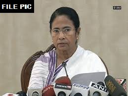 I welcome the TDP's decision to leave the NDA. The current situation warrants such action to save the country from disaster. I appeal to all political parties in the Opposition to work closely together against atrocities, economic calamity&political instability: Mamata Banerjee