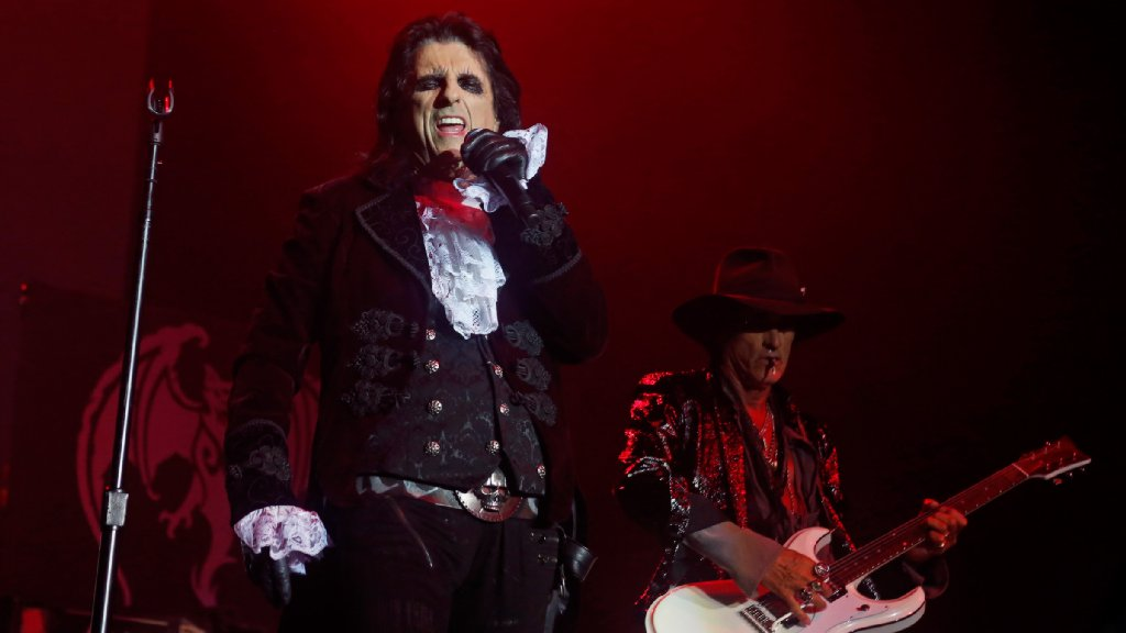 ICYMI: @mcall TICKET BOX: #HollywoodVampires and @kenjeong (Mr. Chow from @TheHangover movies) at @theSBEC; Renaissance @MysticAndMuse at @MusikfestCafe, #MichaelMcDonald at @pennspeak, 40 more: bit.ly/2FMUomx