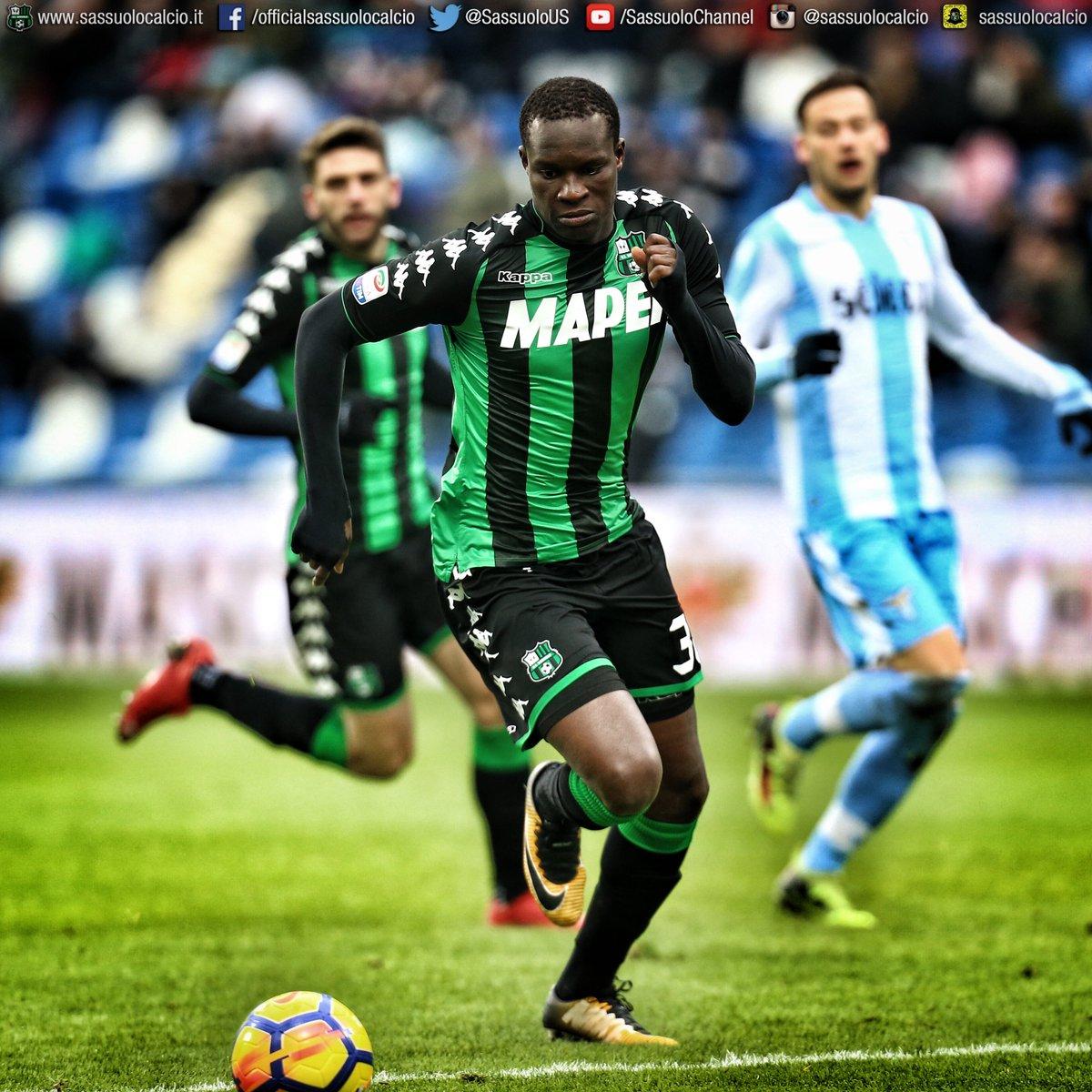 #BuonCompleanno all'attaccante neroverde Khouma @babito10 #Babacar, che oggi compie 25 anni! Tanti auguri!!! 🎂🎁🎊🎉 #HappyBDay 🖤💚 #ForzaSasol 💪💪💪