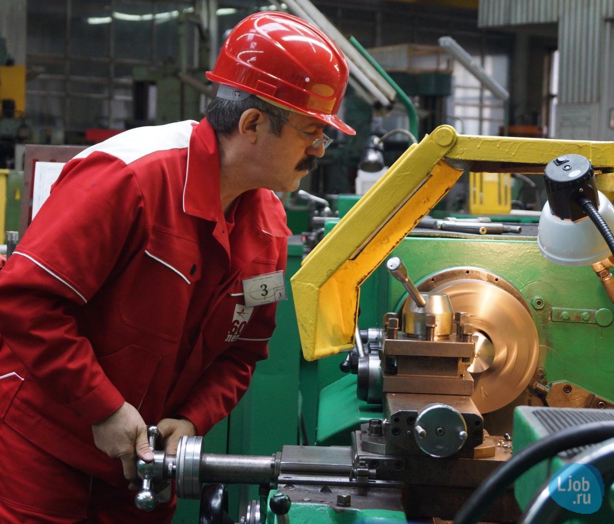 фото токаря в работе начала, откуда