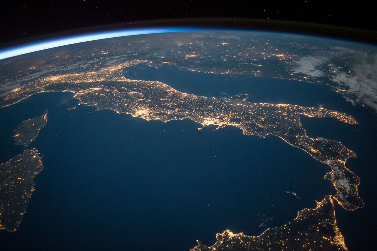 Italy from space! https://t.co/0xW9PhXyb...