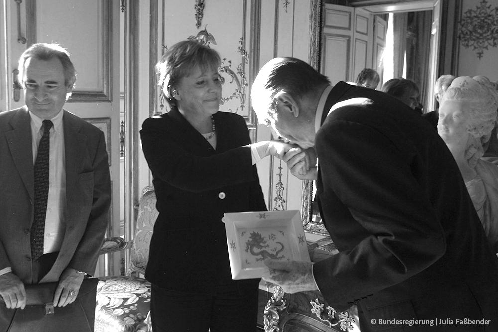 Eine schöne Tradition mit Symbolkraft: Kanzlerin #Merkel führten ihre ersten Antrittsbesuche immer zu unserem französischen Partner. Heute Nachmittag trifft sie sich mit @EmmanuelMacron.