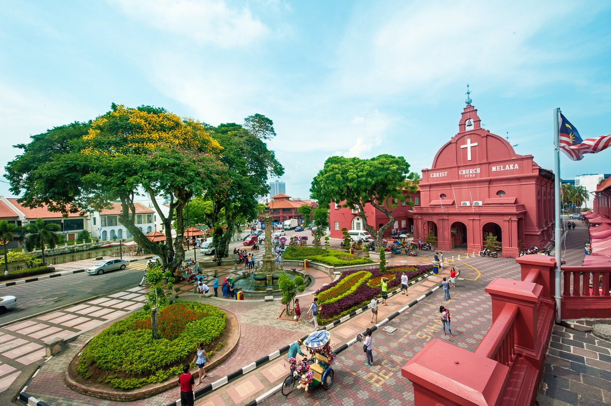 The gable of The Stadthuys in Melaka is believed to be the oldest surviving Dutch structure in the East. Next to it stands the Christ Church, which was built in 1753, making it the oldest Protestant church in Malaysia. Listed as a UNESCO World Heritage site. @TourismMalaysia