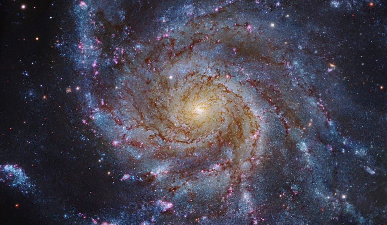 Descubren que todas las galaxias del universo giran como un reloj. Todas giran una vez cada 1.000 millones de años, sin importar cuán grandes sean :O : https://t.co/7A8nT3bG8W #ciencia