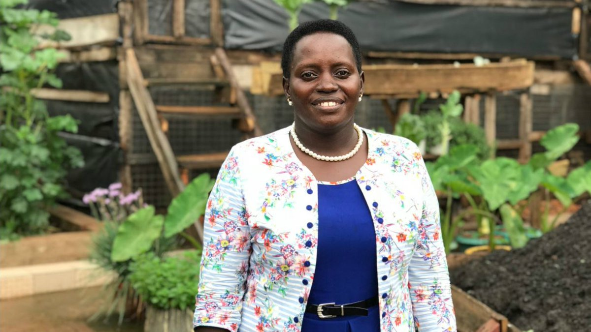The Ugandan woman who makes $30,000 a year running a farm in her city garden (and she powers her home with cow poo!). 📻 bbc.in/2GxLo5Y