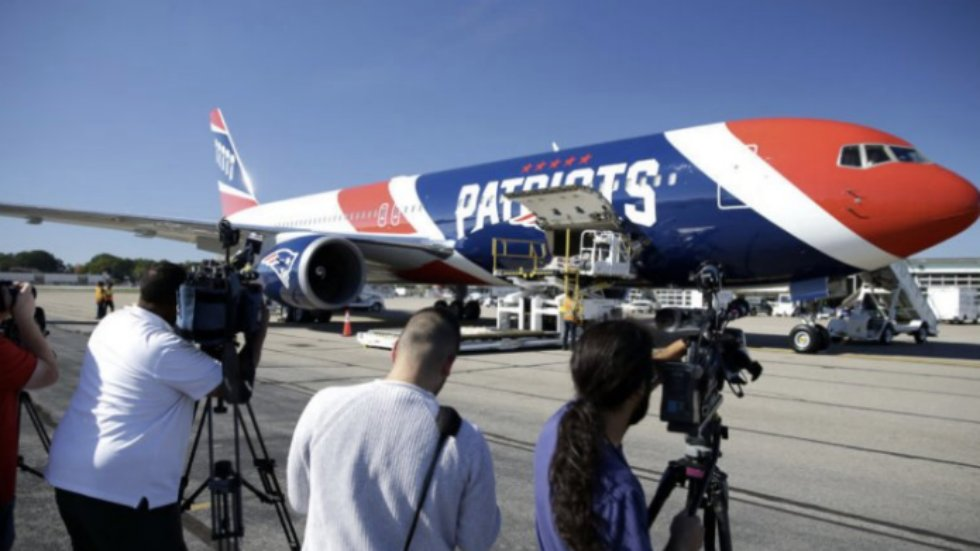 New England Patriots fly Parkland students to DC for march on official team plane https://t.co/YgomSqu8ud