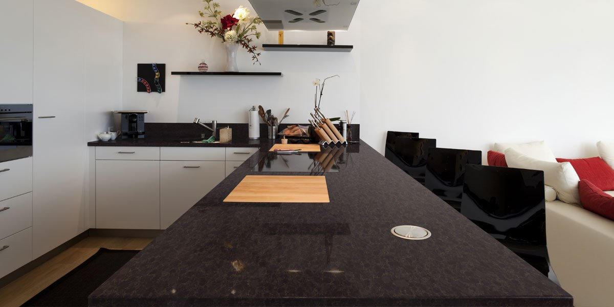 Experience Luxurious Yet Durable Design With #Viatera®  #QuartzSurface.pic.twitter.com/PmV6FCLTgy